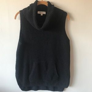 NWOT Two by Vince Camuto Sleeveless Turtleneck